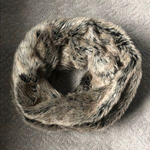 NWT Loft Faux Fur Scarf/Infinity Scarf.